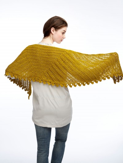 bernat-satinsparkle-c-sliceofniceshawl-02-web_1
