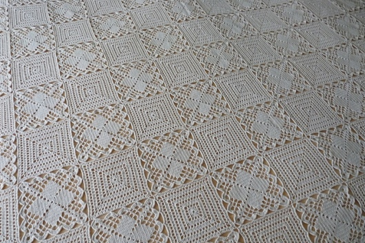 A Bedspread, made of two kinds of patterns1