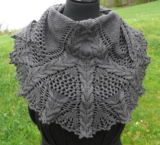 Croeso, Lace & Cable Shawlette1