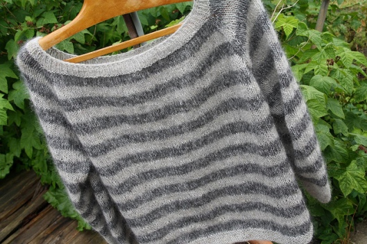 Raglansweater1