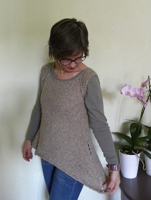 Rosa's Sleeveless Cardi -Jumper1
